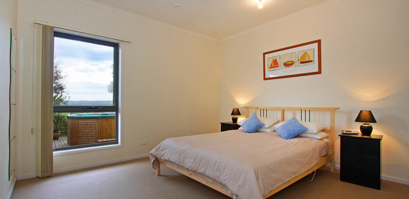 holiday home mornington peninsula double bedroom